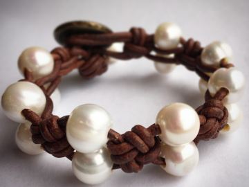leather pearl bracelet